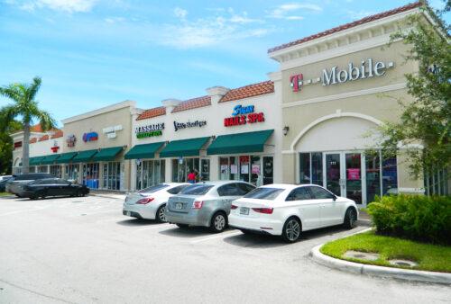 Hallandale Beach Shops